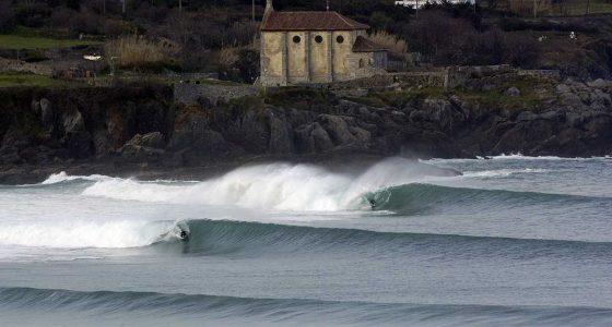 mudaka wave spot spain