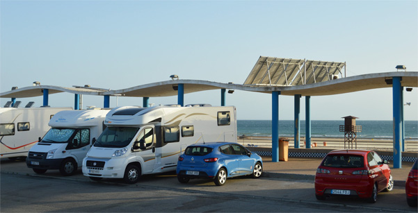 parking campervan in cadiz